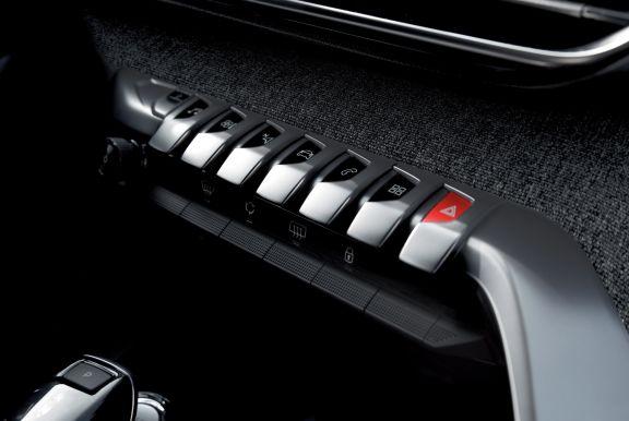 Controls shot of the Peugeot 3008